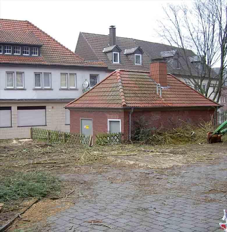 Foto: hier ist kein Baum mehr !